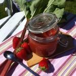 Rabarber og jordbærmarmelade