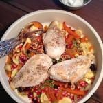 Timianstegt kylling med rodfrugter og nødder